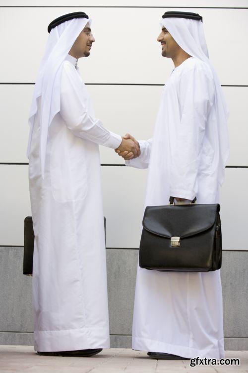 صورة عاليه الجودا رجال اعمال العرب iStockPhoto Arab Business ميديافاير,بوابة 2013 1378125734_istock_00