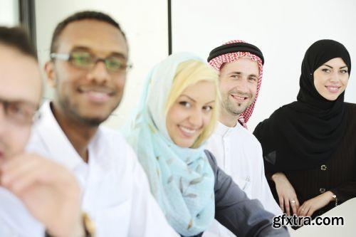 صورة عاليه الجودا رجال اعمال العرب iStockPhoto Arab Business ميديافاير,بوابة 2013 1378125757_istock_00