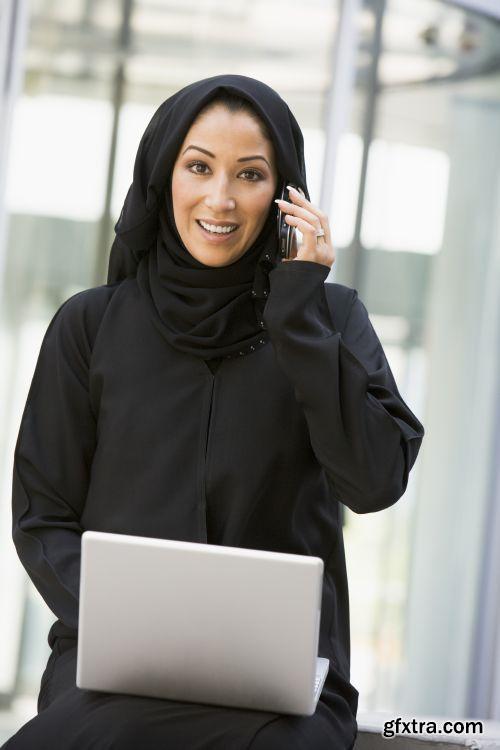 صورة عاليه الجودا رجال اعمال العرب iStockPhoto Arab Business ميديافاير,بوابة 2013 1378125767_istock_00