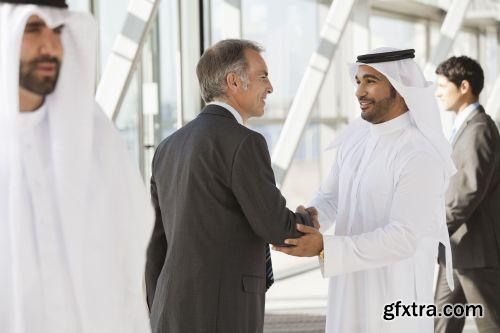 صورة عاليه الجودا رجال اعمال العرب iStockPhoto Arab Business ميديافاير,بوابة 2013 1378125774_istock_00