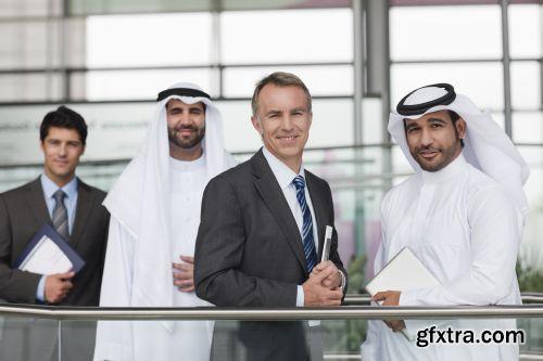 صورة عاليه الجودا رجال اعمال العرب iStockPhoto Arab Business ميديافاير,بوابة 2013 1378125779_istock_00