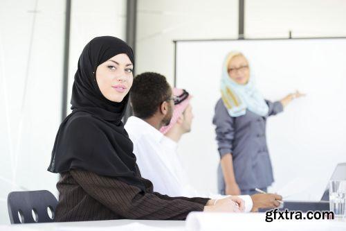 صورة عاليه الجودا رجال اعمال العرب iStockPhoto Arab Business ميديافاير,بوابة 2013 1378125793_istock_00