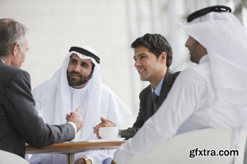 صورة عاليه الجودا رجال اعمال العرب iStockPhoto Arab Business ميديافاير,بوابة 2013 1378125797_istock_00