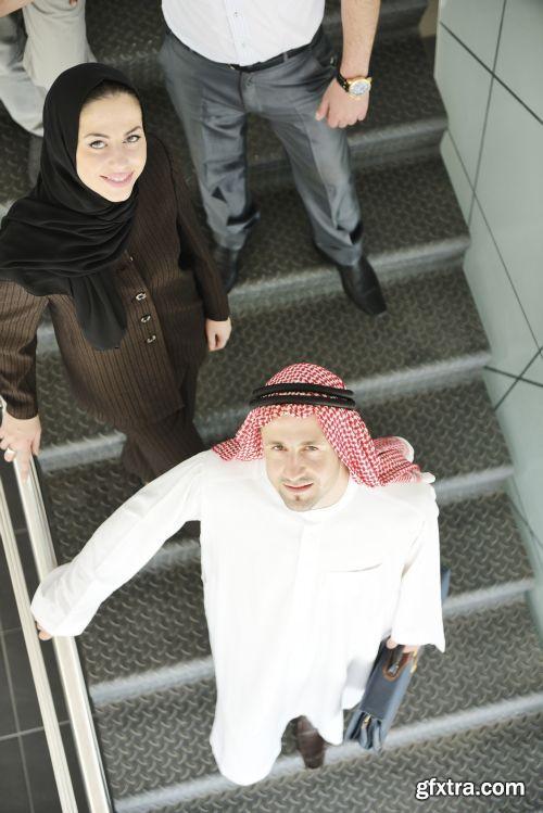 صورة عاليه الجودا رجال اعمال العرب iStockPhoto Arab Business ميديافاير,بوابة 2013 1378125807_istock_00