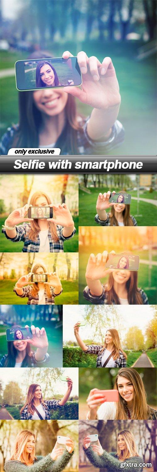 Selfie with smartphone - 10 UHQ JPEG