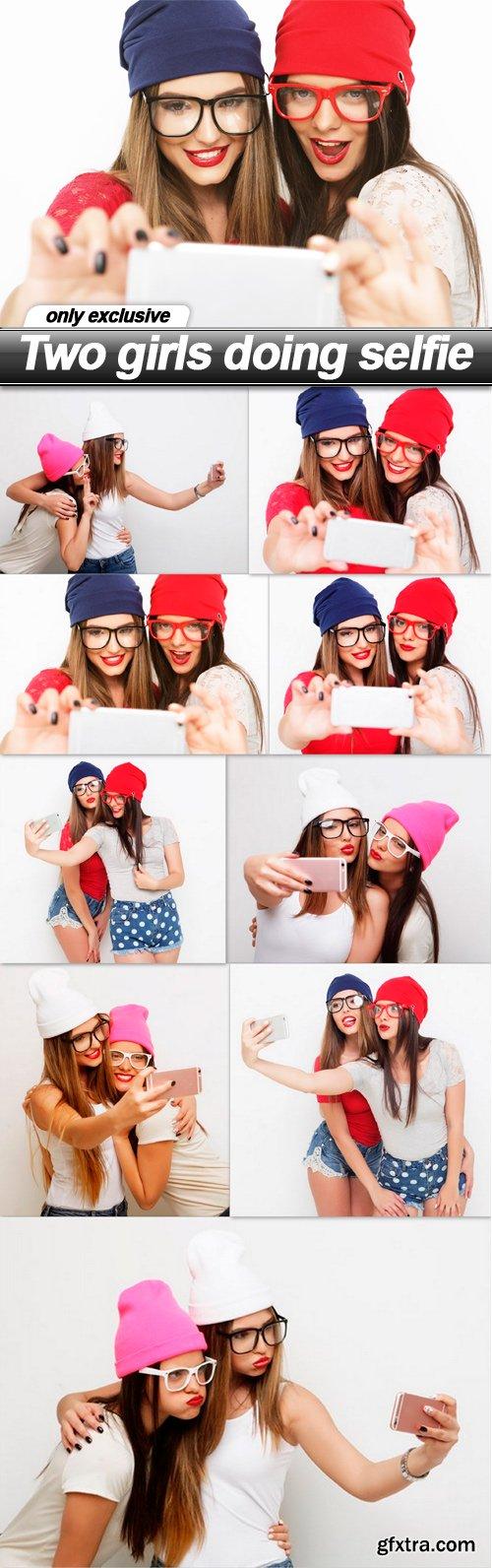 Two girls doing selfie - 9 UHQ JPEG