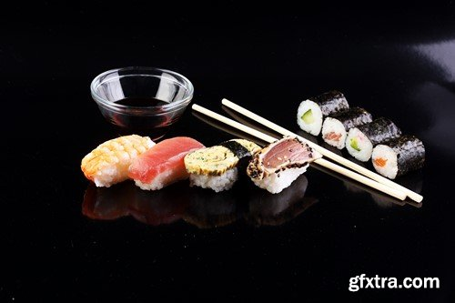 Sashimi and sushi set, 15 x UHQ JPEG