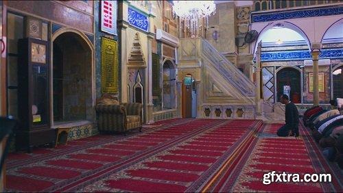 Men praying in mosque 3