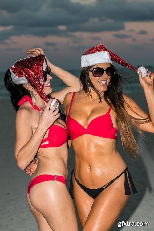 Claudia Romani & Bella Bond - in Miami 12-18-2017