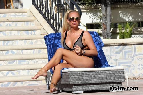 Aisleyne Horgan-Wallace - bikini by the pool in L.A., 11-26-2017