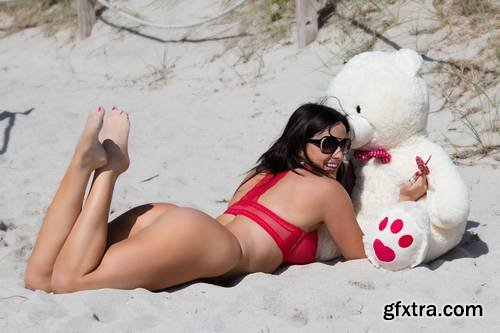 Claudia Romani - red lingerie while playing with a teddy bear - Miami, 2-11-2018