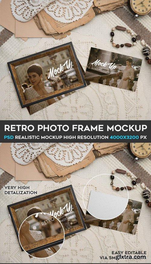 Retro Photo Frame PSD Mockup