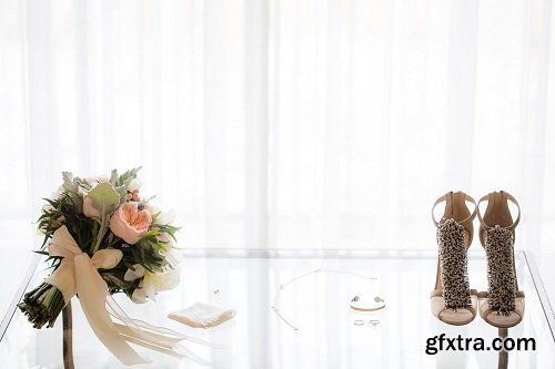 SLR Lounge - Photographing the Bride\'s Details: Stylized Bridal Shoot