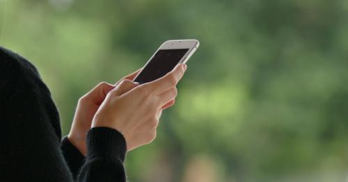 Chatting Smartphone - HDFGEXL