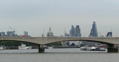 London City - Waterloo Bridge and St.Paul's Cathedral - GE62R4B