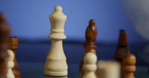 Moving Queen Chess Piece Through The Fog 51b - EFRS2U8