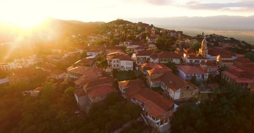 Stunning Sunset Over Sighnaghi Town in Georgia, Green Touristic Place, Travel - AJQME5U
