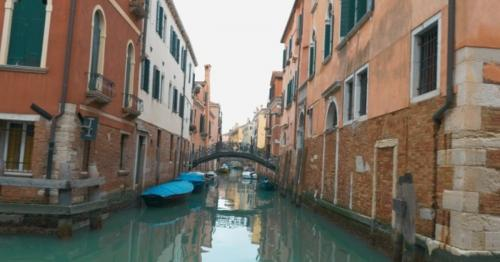 View Of Venice With Its Canals - K3UJNTE
