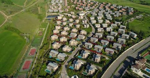 Houses In City District - 3VLARHK