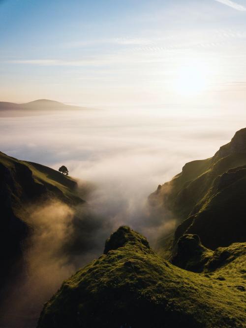 Winnats pass in the peak District of Derbyshire, England - 1017154