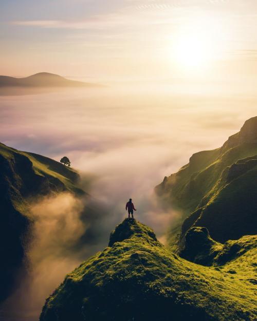 Winnats pass in the peak District of Derbyshire, England - 1017161