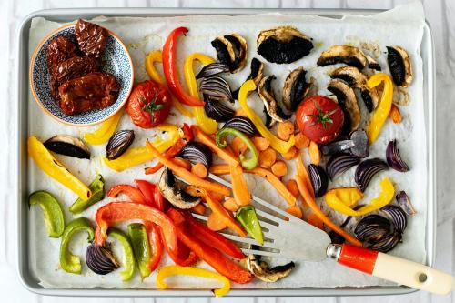 Freshly roasted vegetables food photography - 1054331