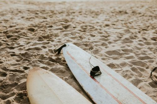 Surfboard mockup on the beach - 1080015