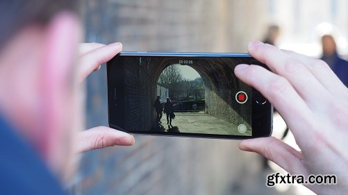 How to Film Super Engaging Videos On Your Smartphone 5 Days a Week